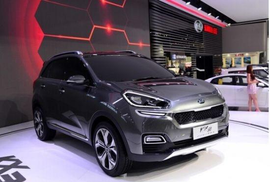 2015年将是小型SUV爆发的一年,东风悦达起亚KX3概念车即将上市,未来其量产版本将会保留概念车的大部分设计。据了解,该车与北京现代ix25共享平台,入市后将与主流合资品牌小型SUV竞争。  前瞻设计 引领未来潮流 颠覆与创新,从最初的一刻便已开始。作为世界三大汽车设计师之一彼得?