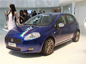 汽车制造厂,菲亚特(fiat)是该详细  朋多小型车14.88-16.66万高清图片