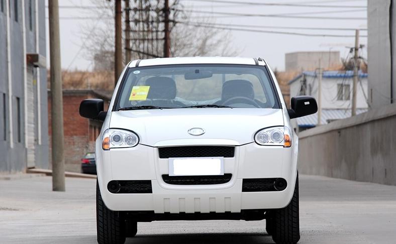 长城汽车股份有限公司,长城汽车的前身是长城工业公司,是一家集体所有制企业,成立于1984年,主要从事改装汽车业务。长城汽车是中国首家在香港H股上市的民营整车汽车企业、国内规模最大的皮卡SUV专业厂、跨国公司。公司下属控股子公司20余家,员工18000多人,目前拥有4个整车生产基地(皮卡、SUV、CUV,轿车MPV),2007年.
